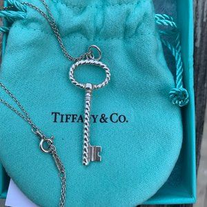 Authentic RETIRED Tiffany & Co Twisted Key Necklac
